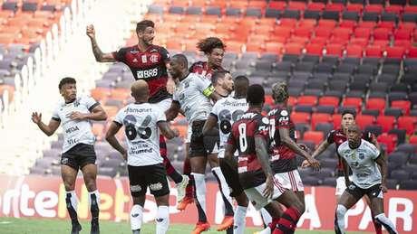 Contra o Ceará, Gustavo Henrique iniciou; Arão terminou o jogo em sua função (Foto: Alexandre Vidal / Flamengo)