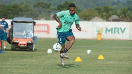 Gerson em ação nesta quarta: o meia será desfalque contra o Goiás, na segunda (Foto: Alexandre Vidal / Flamengo)