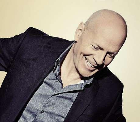 Bruce Willis é expulso de farmácia por se recusar a usar máscara