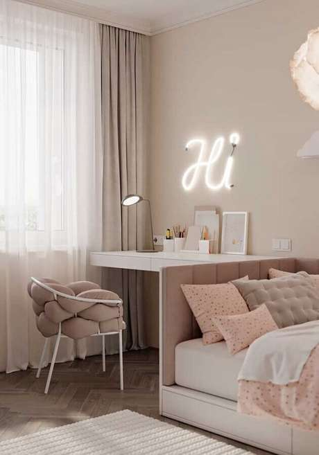 40. Cores claras para quarto feminino planejado – Foto: Pinterest