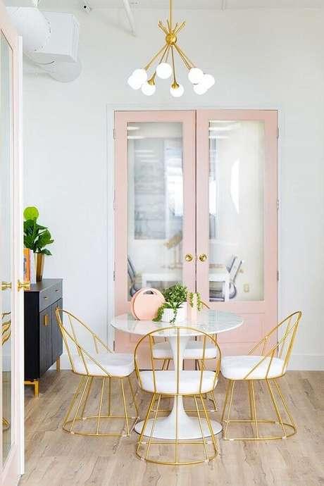 2. Saiba como usar as cores claras para valorizar a decoração do seu ambiente – Foto: Pinterest