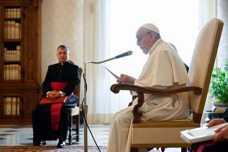 Papa Francisco disse que se vacinar contra coronavírus é uma atitude 'ética'