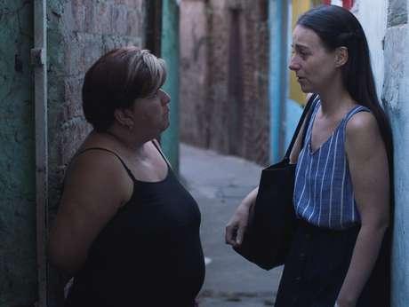 Cecília (Elisa Carricajo) e Nebe (Mecha Martínez) em Um Crime em Comum