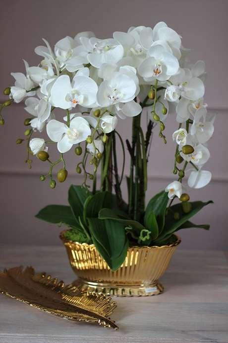 16. Vaso de orquídea dourado – Via: Tendom