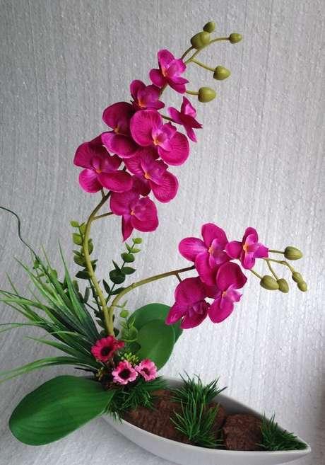 29. Vaso de orquídea pink – Via: Elo7