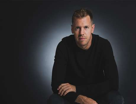 Sebastian Vettel deixa de vestir vermelho após a temporada 2020