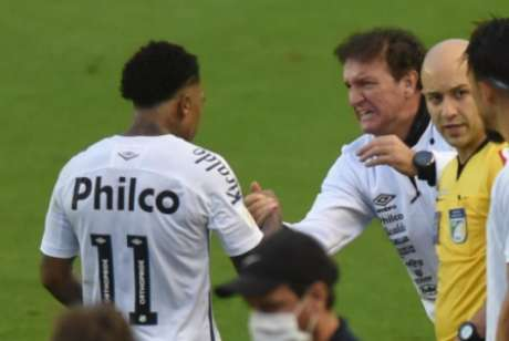 Cuca e Marinho cobraram a diretoria (Foto: Ivan Storti/Santos FC)