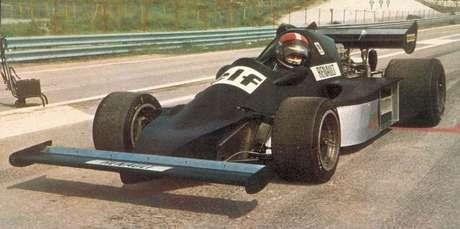 O protótipo A500 foi desenvolvido pela Alpine em 1975 para correr na Fórmula 1, mas não chegou a disputar provas oficiais.