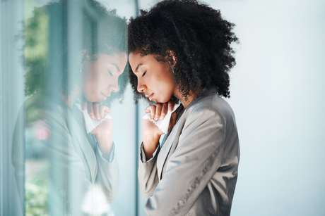 Temos que elevar a nossa energia para que os pensamentos da mente naturalmente mudem de qualidade