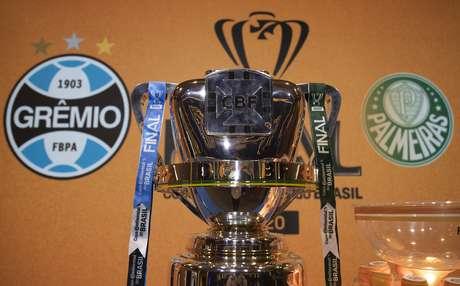 Grêmio e Palmeiras decidem a Copa do Brasil