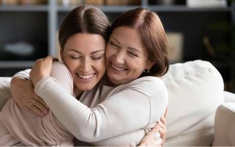 Ficar bem com a mãe: conselhos dos elementos dos signos para a relação
