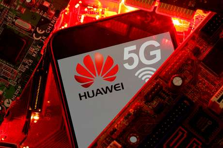 Smartphone com logotipo 5G da Huawei. 29/1/2020. REUTERS/Dado Ruvic