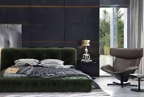 38. Quarto moderno decorado com poltrona e couro cinza – Foto: Lolafá