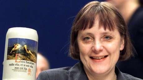 Merkel em 2000, quando se tornou líder de seu partido, o conservador CDU