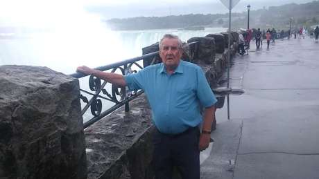 Malcolm, sogro de Karen, aos 80 anos quando visitou seu irmão no Canadá
