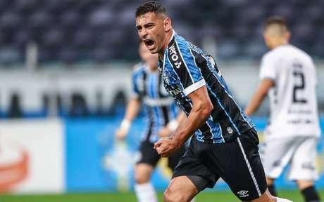 Diego Souza tem 9 gols nesse Campeonato Brasileiro (Foto: LUCAS UEBEL/GREMIO FBPA)