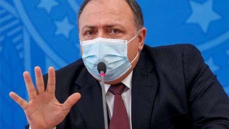 Ministro da Saúde, o general Eduardo Pazuello, tem criticado os laboratórios por solicitarem a isenção de responsabilidade