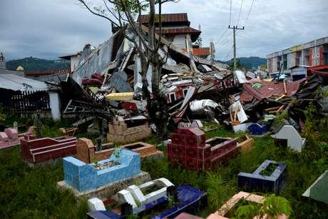 GVista de edifícios destruídos por terremoto em Mamuju, na Indonésia. 17/1/2021. Abriawan Abhe/Antara Foto via REUTERS   A