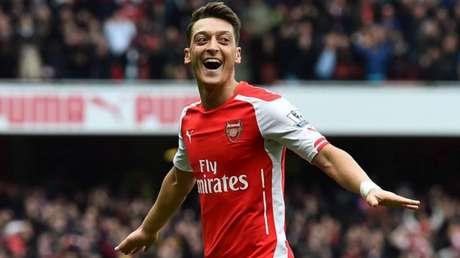 Ozil enfrentou problemas no Arsenal (Foto: AFP)