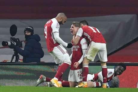 Arsenal entra em campo neste domingo (Foto: GLYN KIRK / AFP)