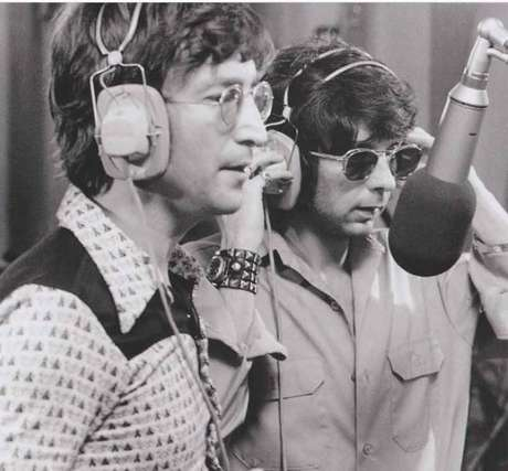 """John Lennon e Phil Spector em gravação de """"Imagine"""""""