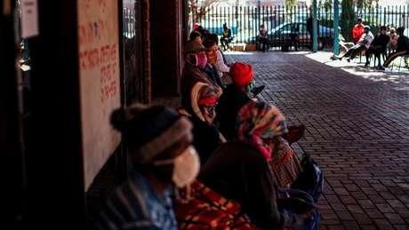 Rede comunitária da África do Sul ajudou inicialmente o país, mas o país foi atingido por uma nova variante do coronavírus