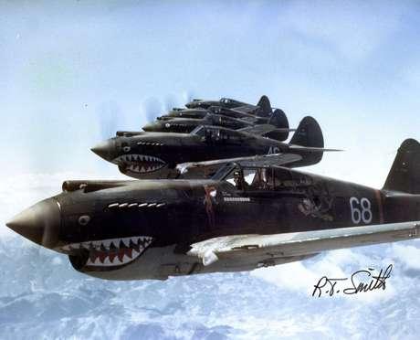 Tigres Voadores em formação.