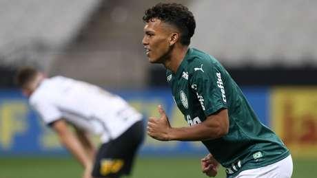 Gabriel Veron comemora gol em Itaquera (Foto: Cesar Greco/Palmeiras)