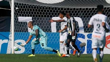 Camisa 12 substituiu de última hora Diego Cavalieri (Foto: Vítor Silva/Botafogo)