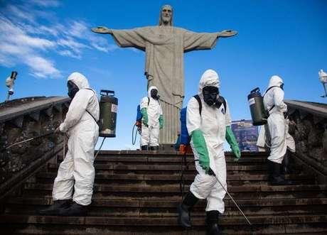 Cristo Redentor passa por sanitização, em 13 de agosto de 2020