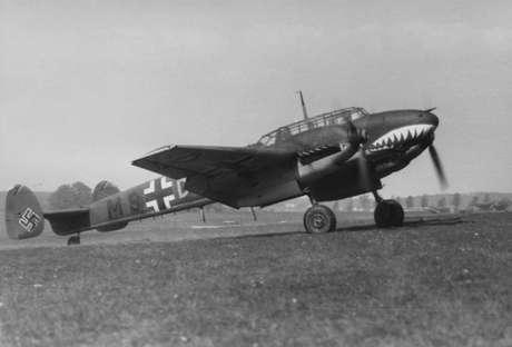 Me110 com a famosa pintura