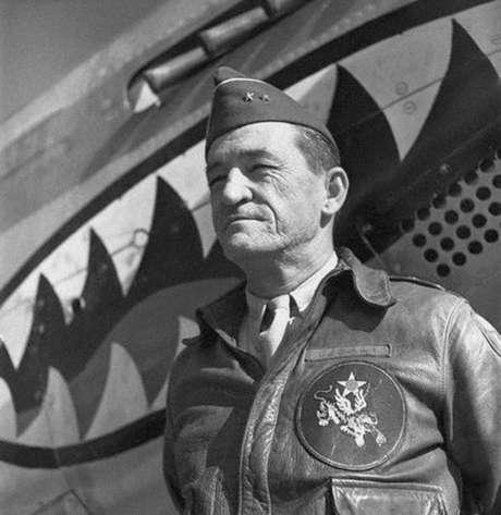 Major General Claire Lee Chennault. Tem ou não cara de general?