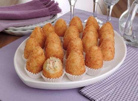 Guia da Cozinha - Coxinha de frango: 7 maneiras deliciosas para incrementar o salgado