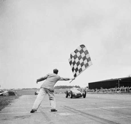 Alfa Romeo foi a primeira equipe a vencer uma corrida na história da Fórmula 1, com o carro guiado por Giuseppe Farina, no GP de Silverstone de 1950.