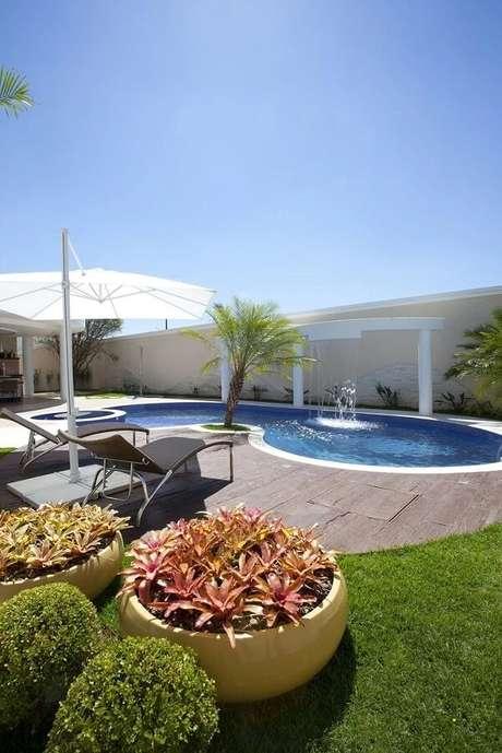 65- Arcos criam efeitos diferentes na piscina. Fonte: Aquiles Nicolas Kilaris