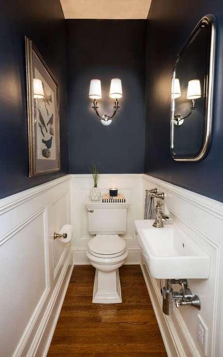17. Banheiro sem janela com tinta azul – Via: Houzz