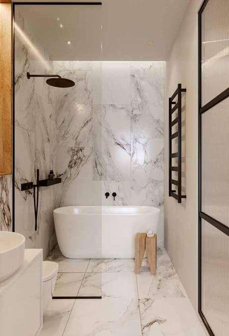 20. Banheiro sem janela com banheira branca- Via: Decor Fácil