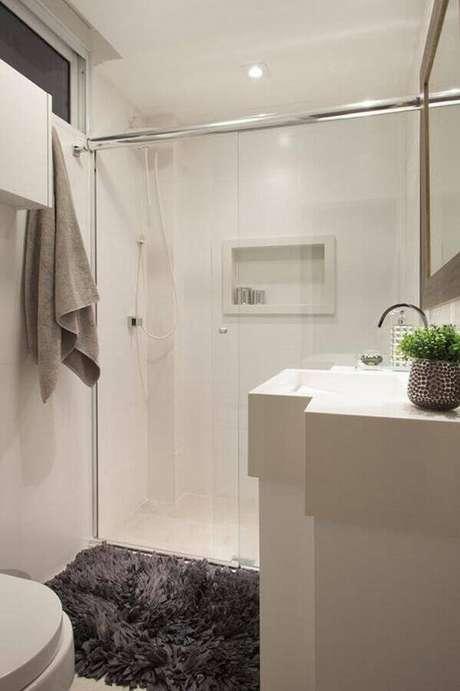 35. Banheiros pequenos decorados – Via: Sartori Design