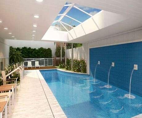 18- A cascata para piscina coberta tem três saídas distintas de água. Fonte: Nautilus
