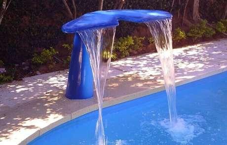 5- A cascata para piscina rabo de baleia é muito utilizada em piscinas infantis. Fonte: Uniglass