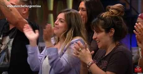 Dalma e Giannina, filhas de Claudia e Maradona, lideraram a torcida pela mãe na grande final do programa