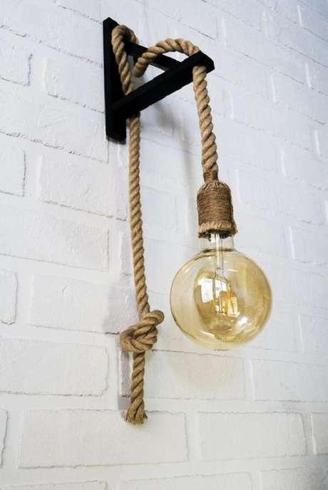12. Modelo de arandela rústica com estrutura de corda. Fonte: Etsy