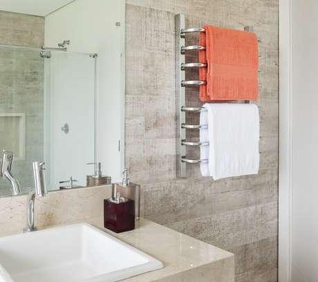 4. Toalheiro térmico para banheiro sem janela – Via: Pinterest