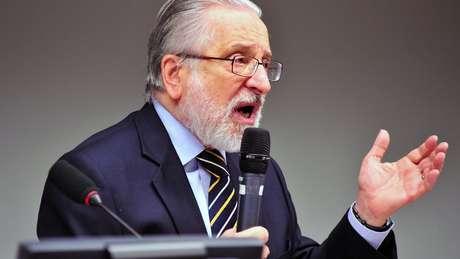 """""""Tanto em Nova Delhi quanto em Pequim seguramente há um mal estar com o Brasil que não ajuda na hora de desespero em que nós estamos"""", diz Abdenur, que foi embaixador na China e nos EUA"""