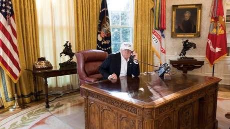 O presidente Biden deve fazer alterações na decoração do Salão Oval
