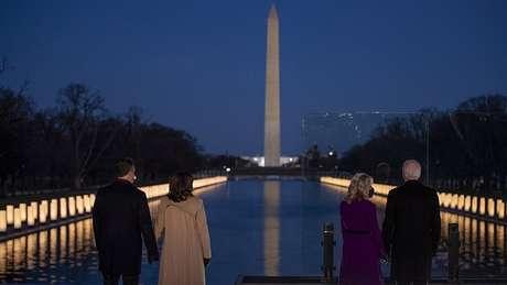 As luzes são uma homenagem oficial do governo aos que morreram na pandemia