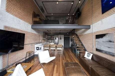 27. Casa pequena com mezanino com um estilo moderno e industrial. Fonte: Carla Cuono Arquitetura e