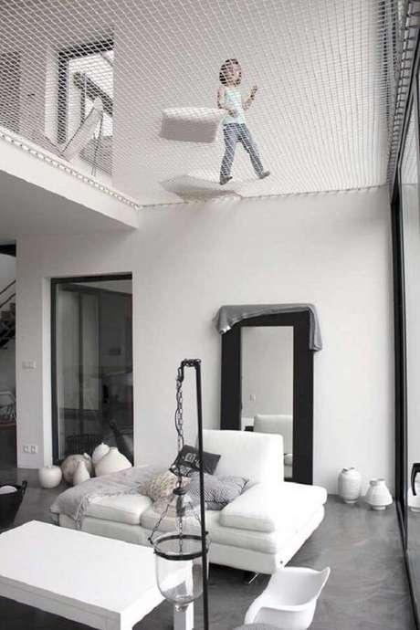 37. É possível criar no projeto de casa com mezanino um espaço descontraído para as crianças brincarem. Fonte: Pinterest