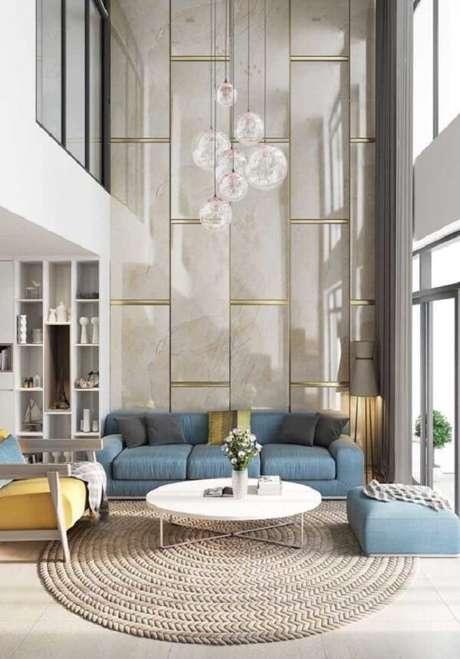 41. Invista em lindos painéis na decoração das casas com mezanino interno. Fonte: Pinterest