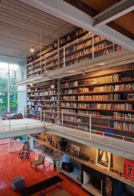 68. Projeto de casa com mezanino para os amantes de livros. Fonte: Pinterest